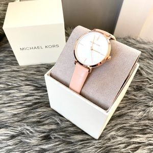 NWT authentic MK leather blush rosegold watch